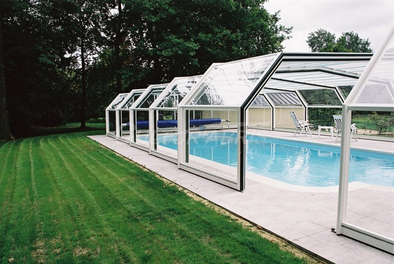 Abri piscine romane